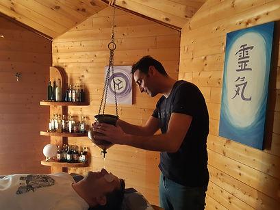 shirodhara massage tete crane cheveux huile chaude ayurvedique ayurveda ecole de massage relaxant relaxation drome 26 rhone alpes les granges gontardes gard vaucluse ardeche gard paca studio syma