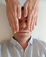 reiki mains yeux.jpg