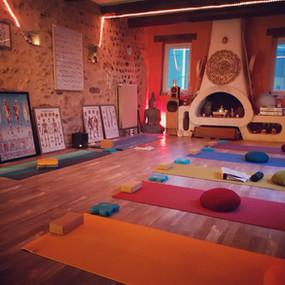 Les Formations de Professeurs de Yoga 200 heures & Masterclasses 50 heures