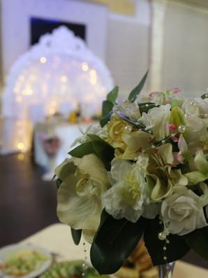 Букет в оформлении свадебного стола v