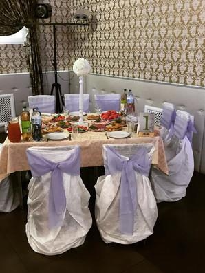Выриант оформления стола гостей на свадьбе