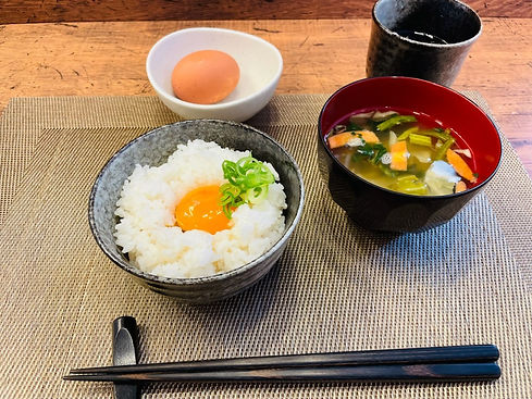 卵かけご飯(和風だし)_edited.jpg