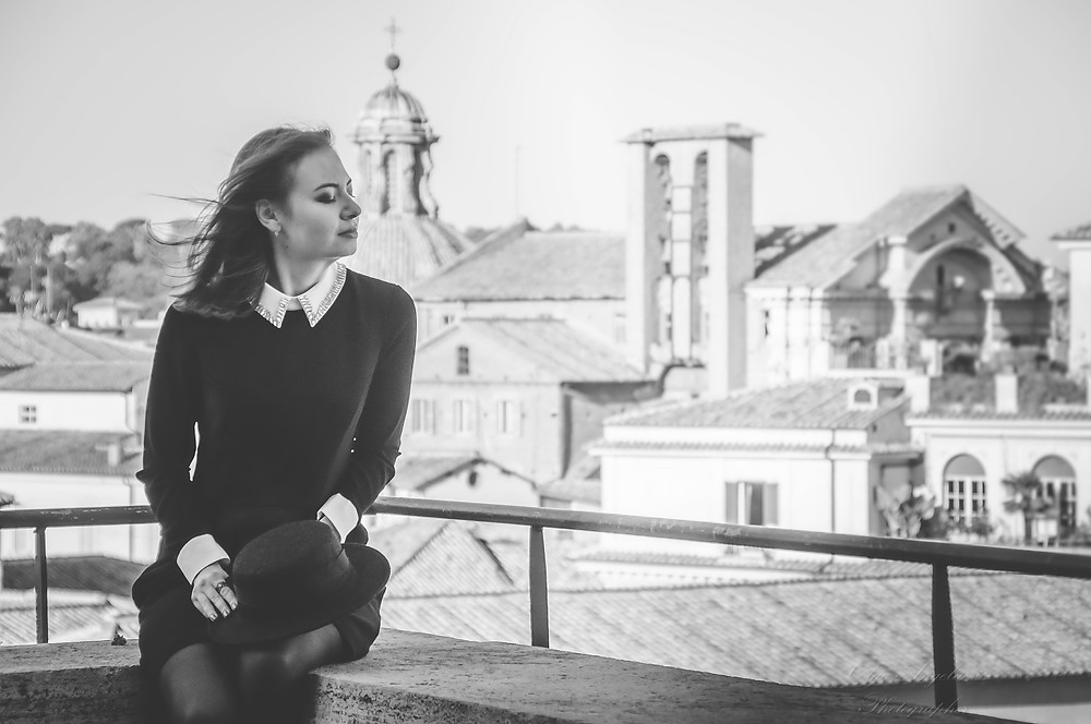 Yor wedding photographer in Italy: in Rome, Venice, Tuscany, Sicily, Capri, Como and other cities. We are happy to capture your Magic World of Bright Emotions.