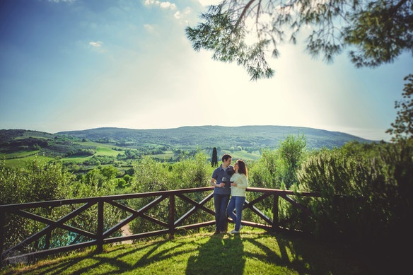 In the fields of Tuscany: love-story of Anastasia and Alex