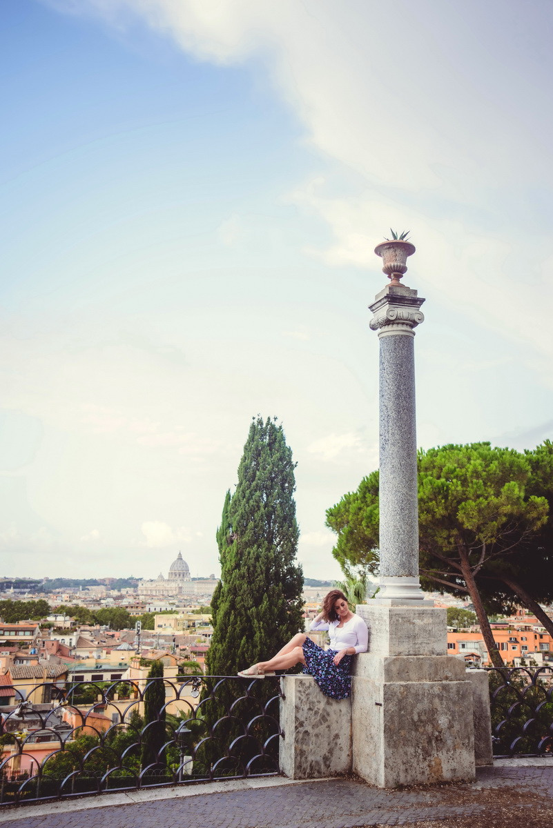 portrait photo shoot in Rome by destination photographer in Italy Olga Angeluccci