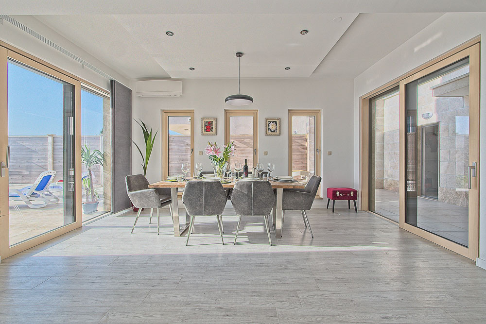 Modern interior meets beautiful sea views over Makarska.