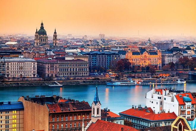 budapest-travel-guide-01.jpg