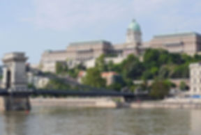 royal-palace-budapest-chain-bridge-danube-159177.jpeg