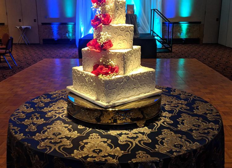 Pin Spot Lighting on Wedding Cake