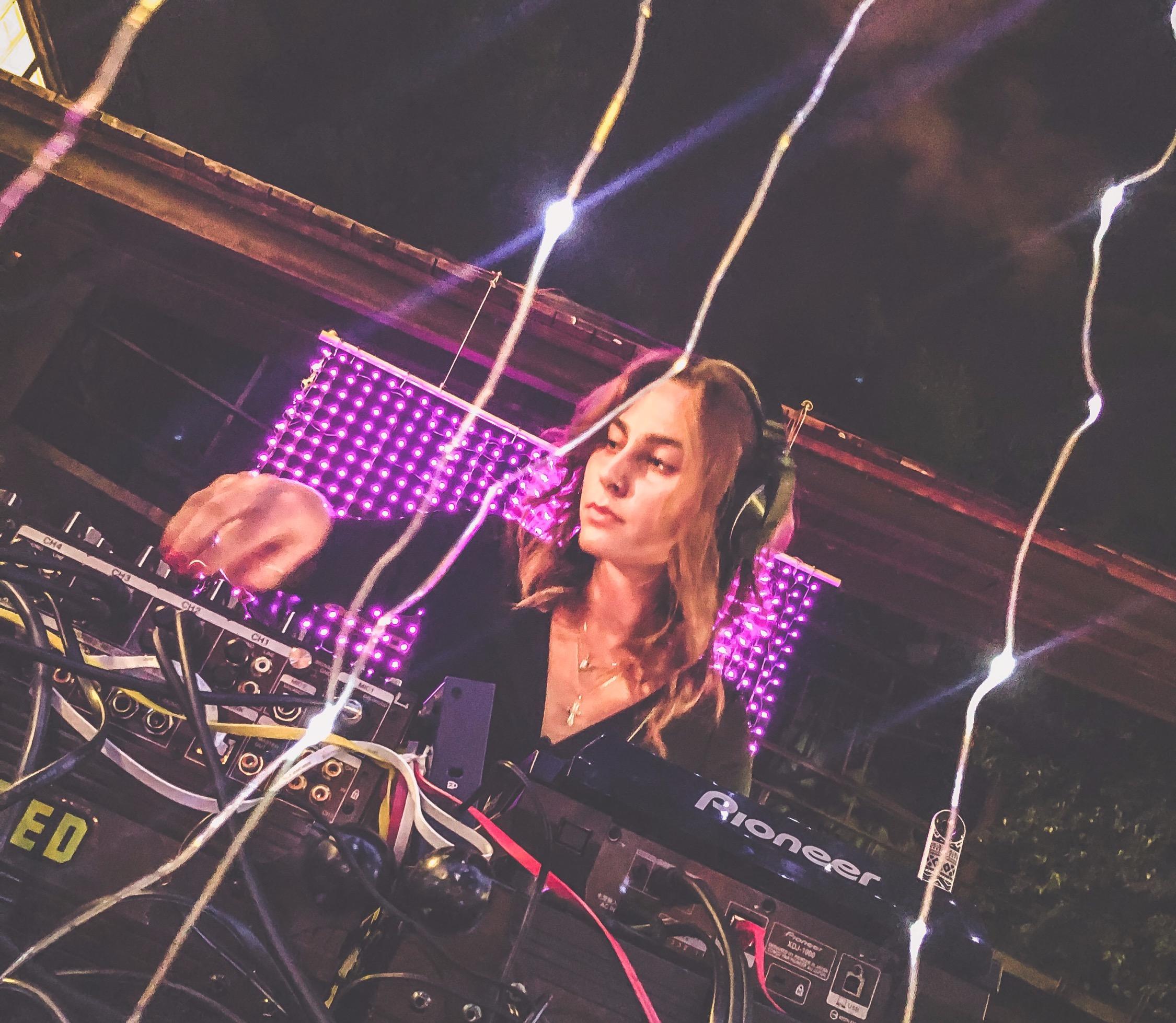 DJ NicNacc