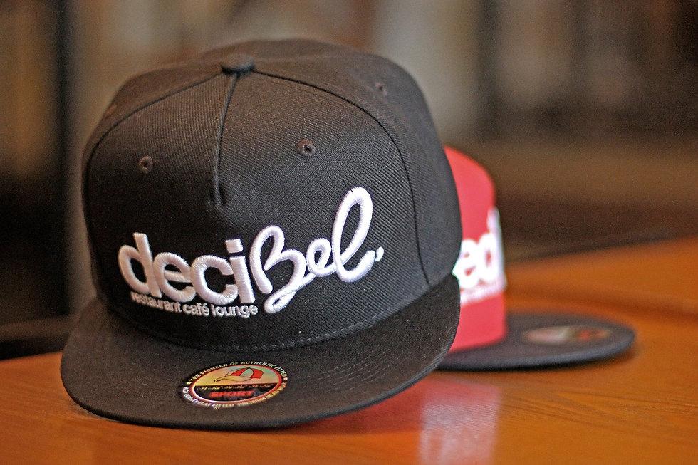 decibek-hat-db-1797660.jpg