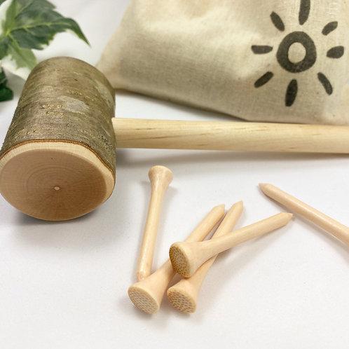 Hammer und 'Bambusnägel'