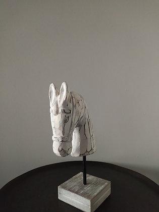 At Başı Büst