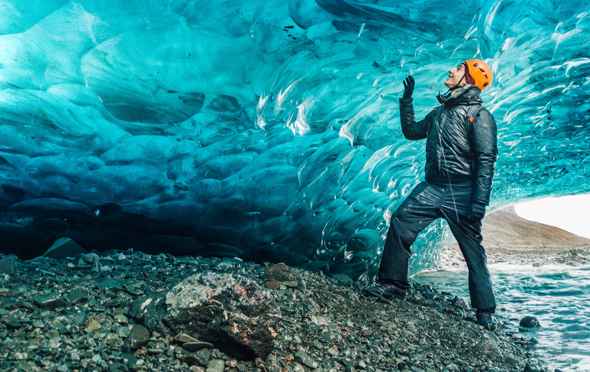 Crystal Blue Ice Cave_3