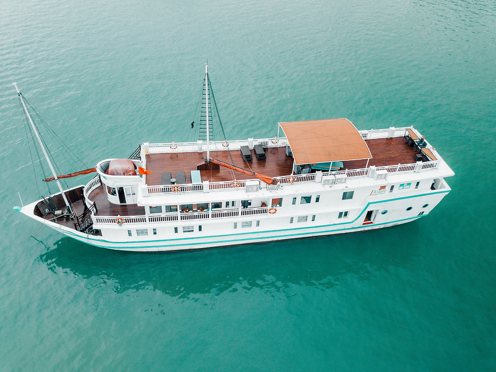 L'Azalee Cruise Boat from Above