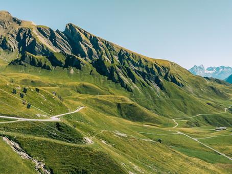 Paragliding Interlaken & More: Top 10 Things To Do In Switzerland