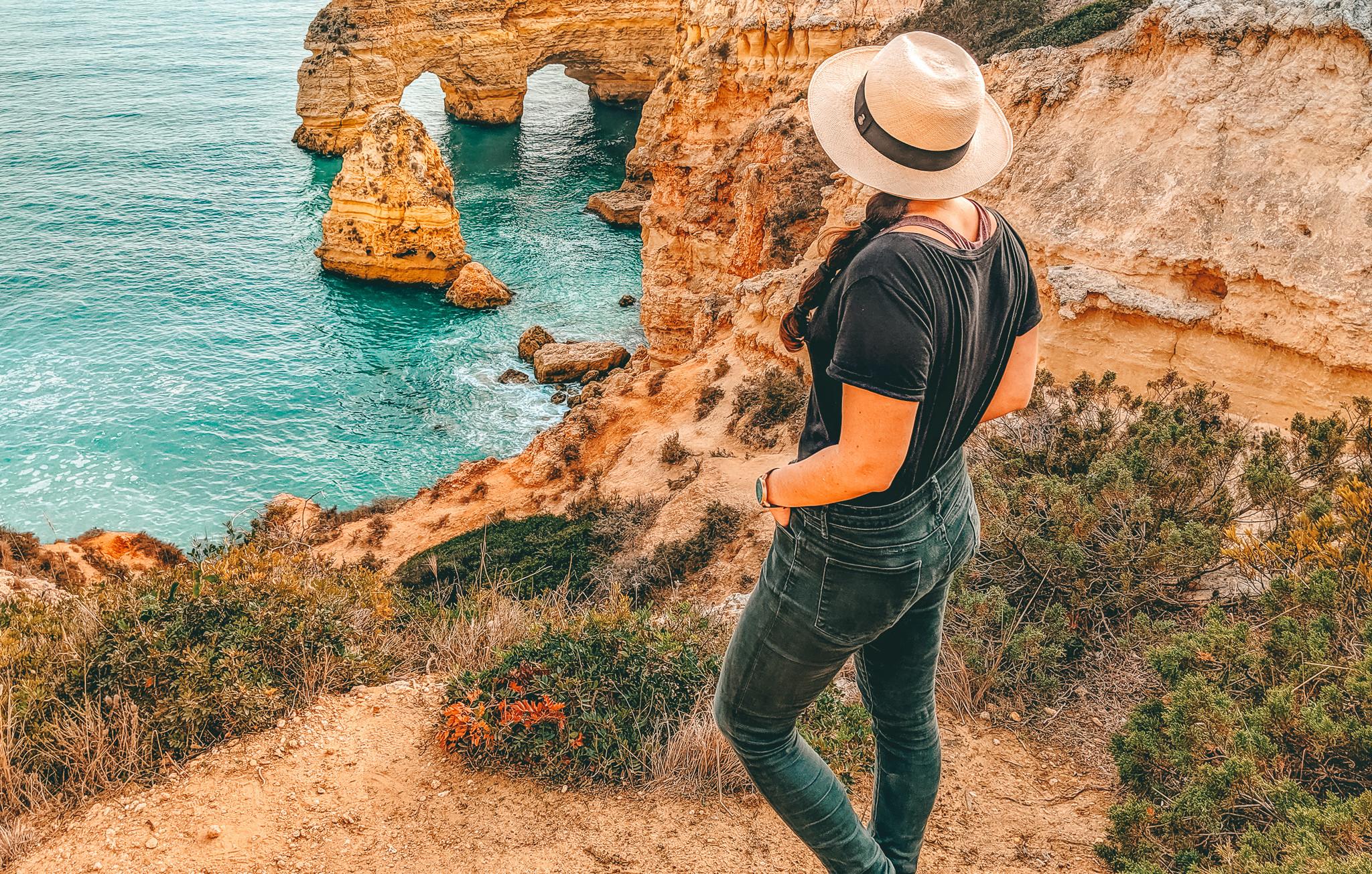 Praia da Marinha Viewpoint with Lindsay