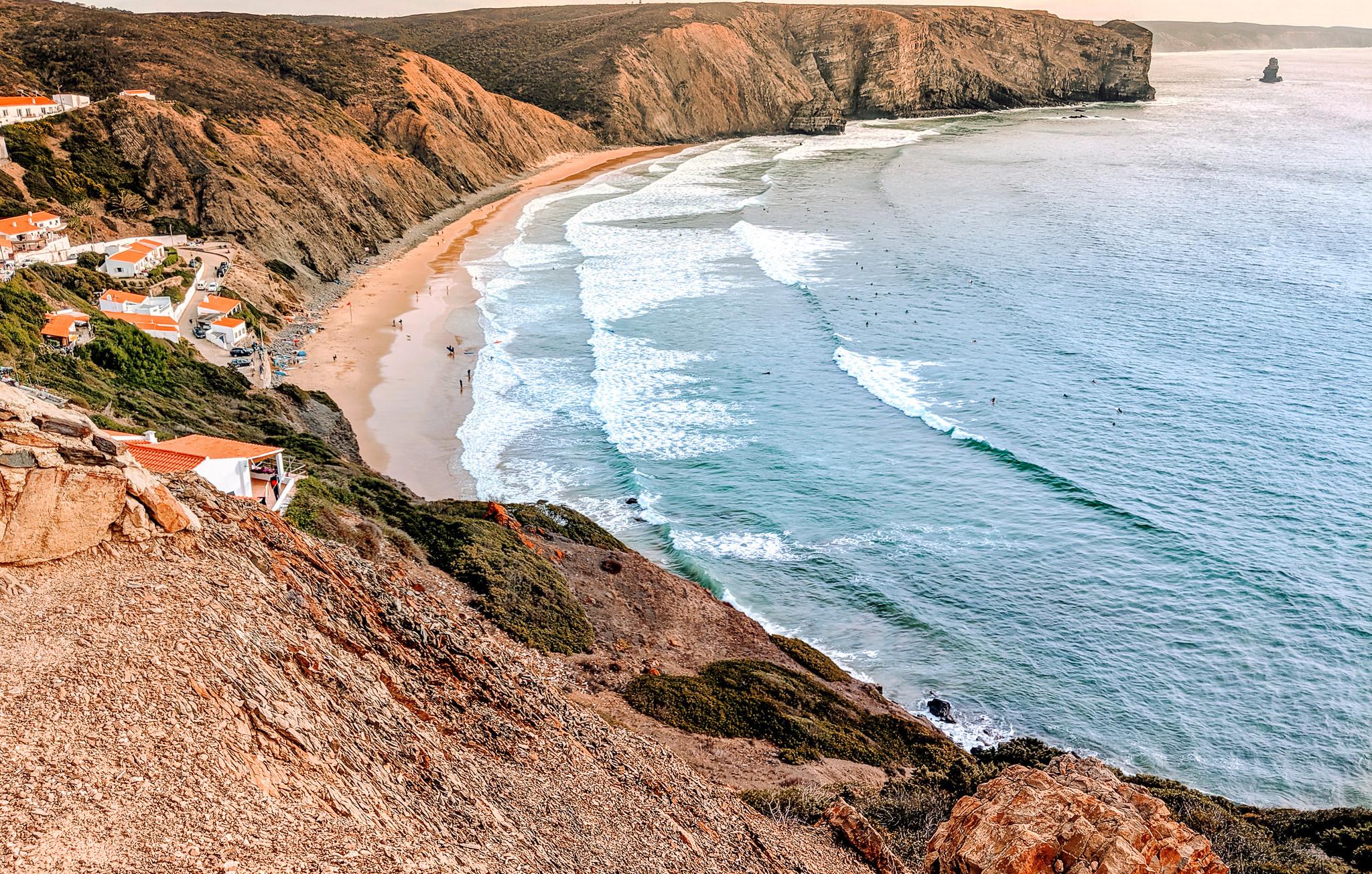Praia do Arrifana Beach Waves
