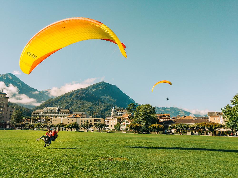 Paragliding Interlaken Landing