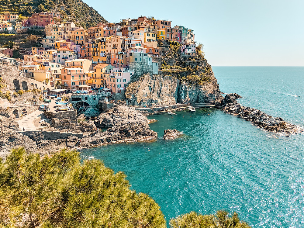 Cinque Terre Accommodation with ACLA Apartments