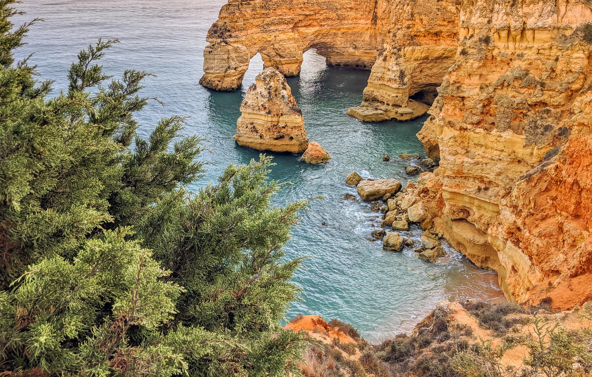 Praia da Marinha Arches