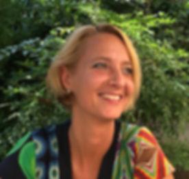 Maya Marsilio lächelnd im Piemont
