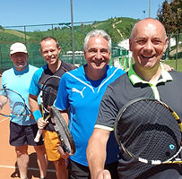 Jucker Tennisgruppe.jpg