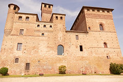 Castello_Grinzane.JPG