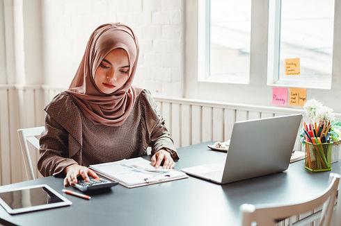 happy-beautiful-muslim-business-woman-wo