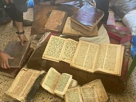 Decenas de antiguos manuscritos cristianos robados por ISIS fueron recuperados en Mosul