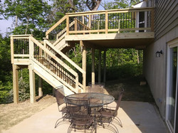 Deck w/ Turning Stair