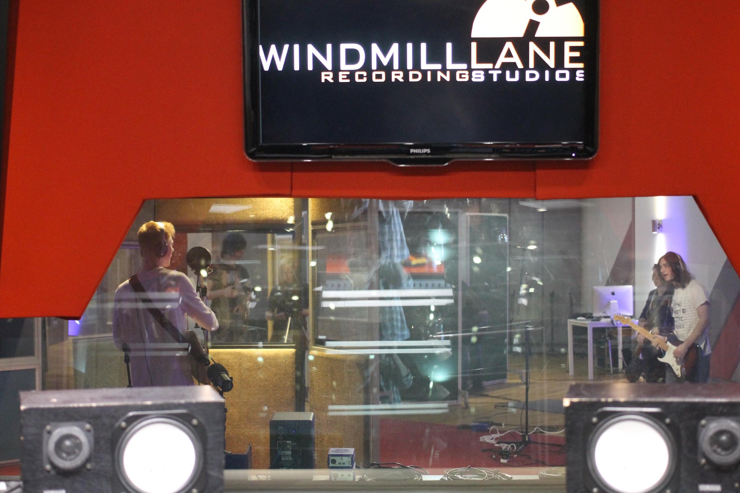 Suburban Soundsin Windmill Lane 2016