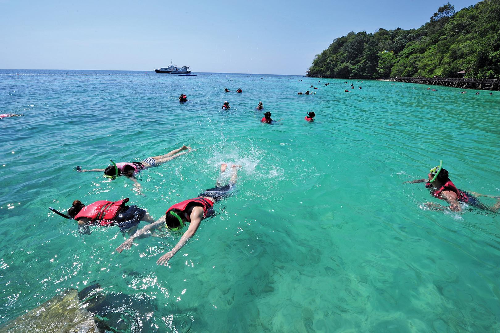 Pulau Payar Marine Park Snorkeling
