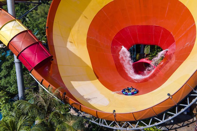 Sunway Lagoon Water Park Vuvuzela