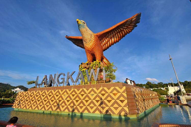 langkawi-eagle-square.jpg