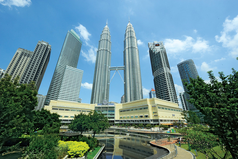 kuala-lumpur-petronas-twin-towers.jpg