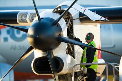 QLink Engineer pre flight check, Sydney