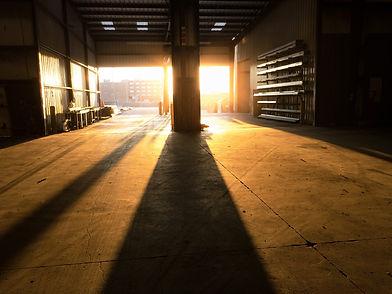 warehouse-2696005_1920.jpg