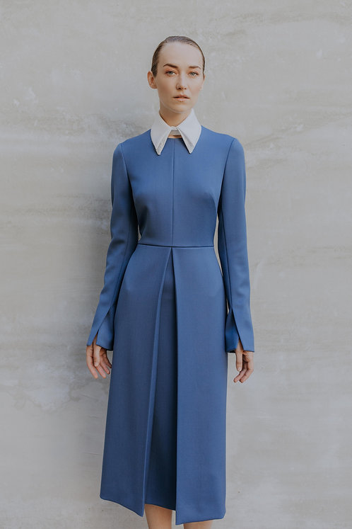 IVORY BLUE WOOL DRESS WITH OPPOSITE PLEAT