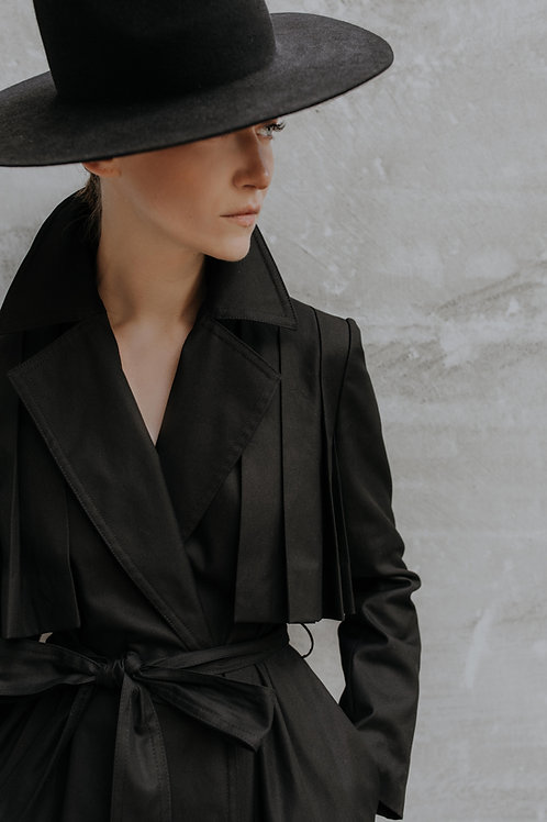 BLACK TRENCH COAT WITH PLEATS