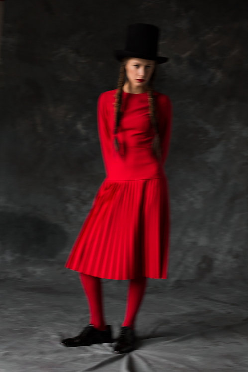 RED WOOL DRESS WITH PLEATS