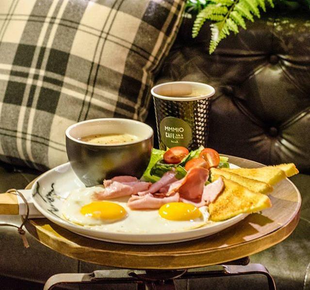 FULL breakfast set ₩6,500_available unti