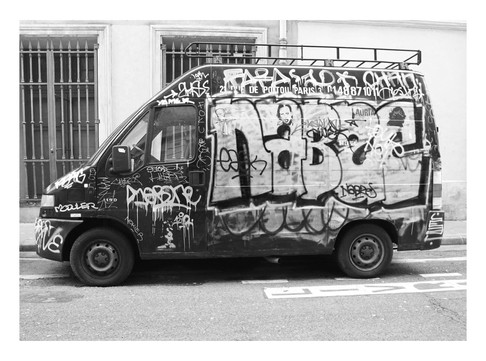 Graffitti Van | Le Marais, Paris