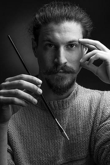 Ruben Ahmad artiste peintre valaisan par Samuel Devantéry photographe