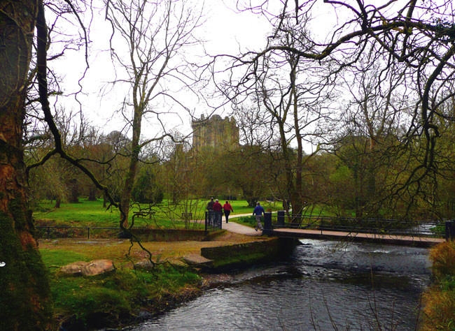 arriving-at-Blarney-Castle.jpg