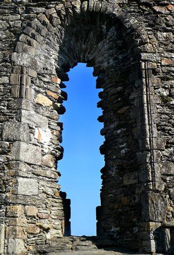 Glendalough-monastery2.jpg
