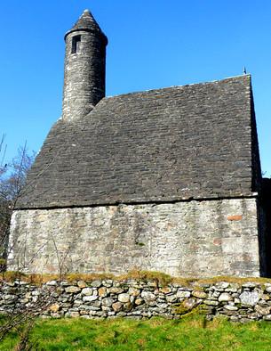 Glendalough-monastery3.jpg