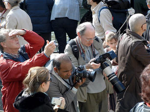 2007 photographers Paris Carnival small.