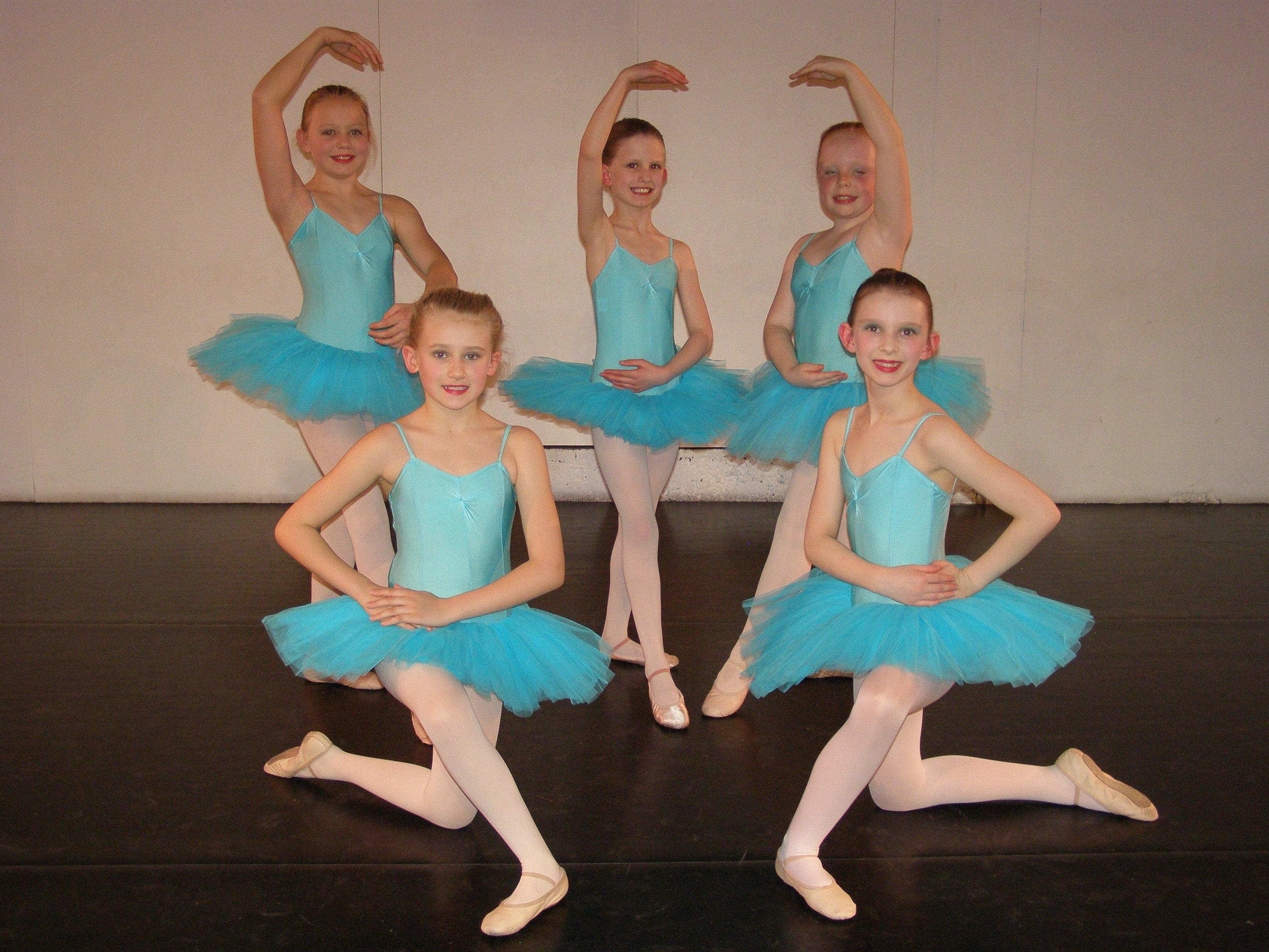ballet girls. Black Bedroom Furniture Sets. Home Design Ideas