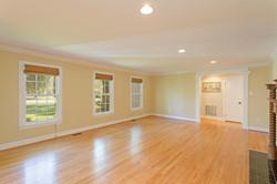 7216 University Dr Richmond VA-large-008-4-Living Room-1500x1000-72dpi